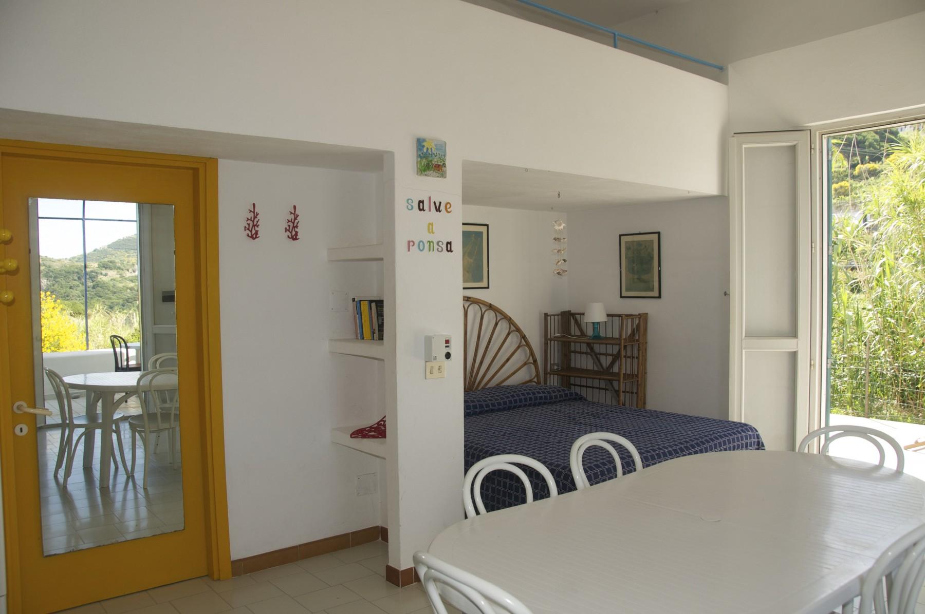 Appartamenti in ponza turistcasa piana 92 for Appartamenti ponza