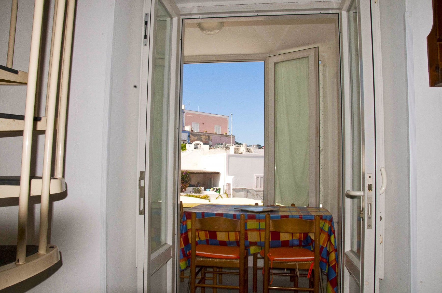 Appartamenti in ponza turistcasa chiaia 33 for Appartamenti ponza