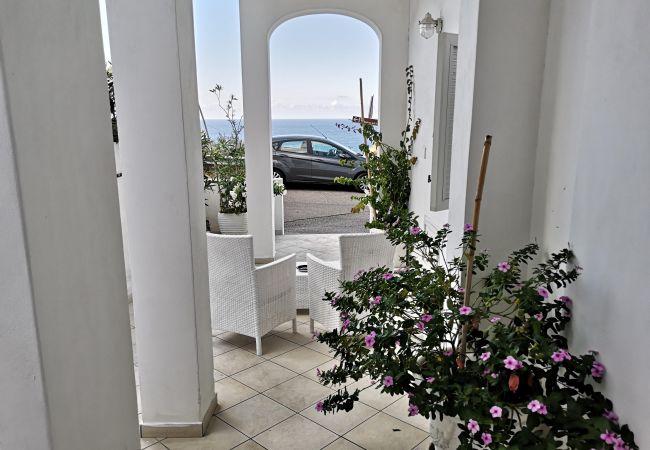 Affitto per camere a Ponza - b&b Casa d'aMare - Acqua di sale -