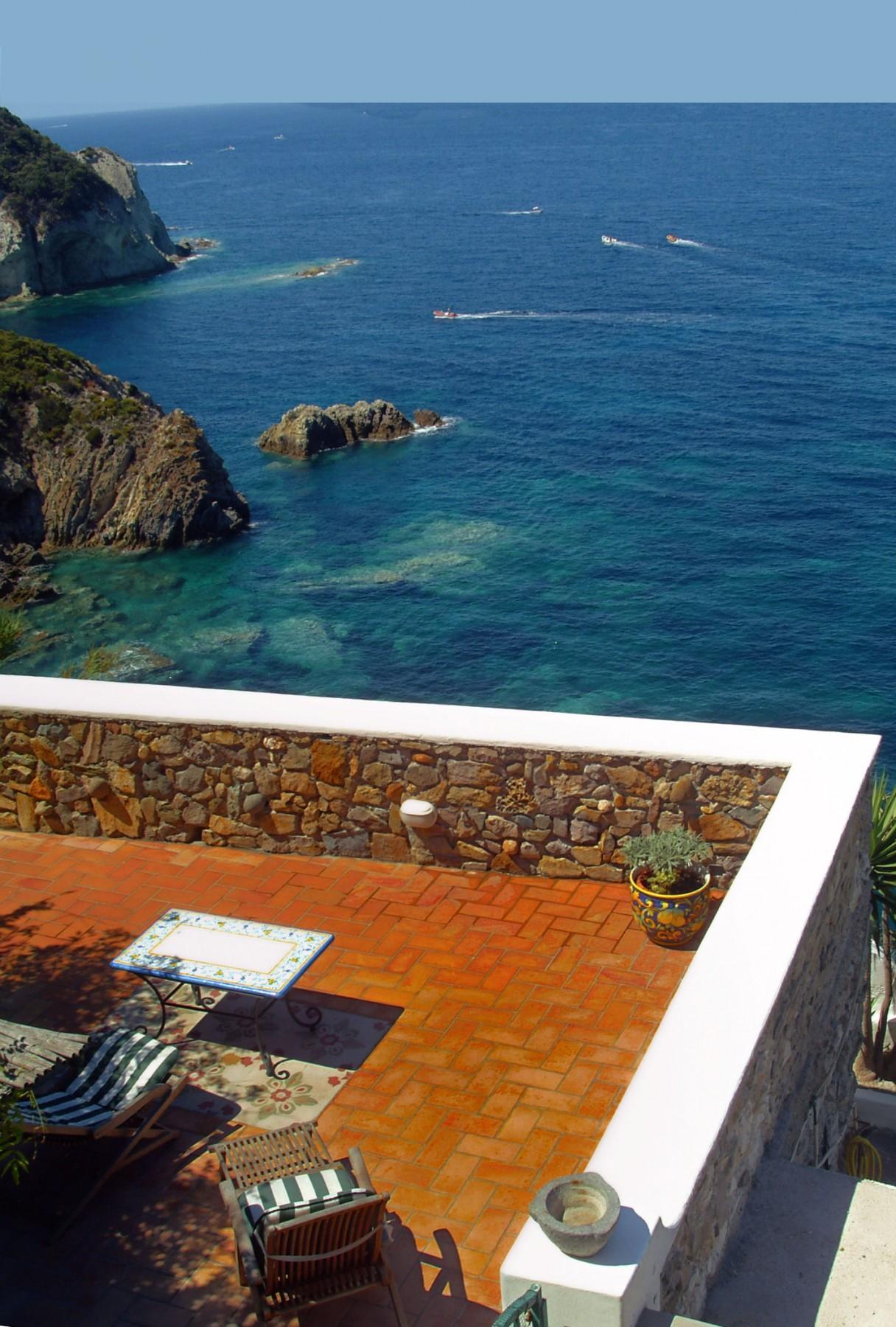 Appartamenti in ponza turistcasa fontana 80 for Soggiorno a ponza