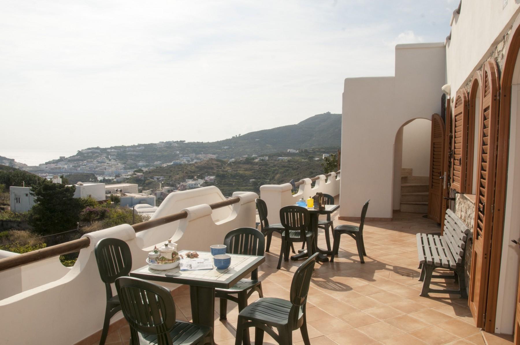 Appartamenti in ponza turistcasa i conti 1002 for Appartamenti ponza
