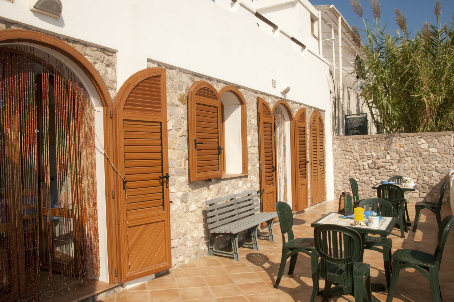 Appartamenti in ponza turistcasa i conti 1003 for Appartamenti ponza