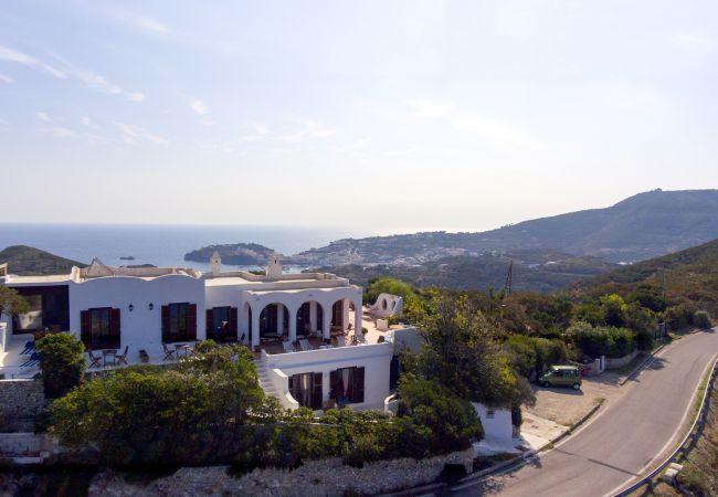Villa a Ponza - Turistcasa - Villa Il Gabbiano -