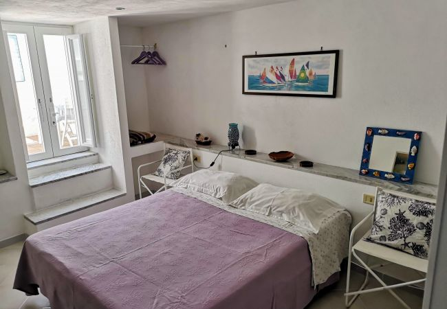 Appartamento a Ponza - La Maison Fiorita - mono I Pesci -