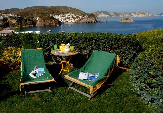 Rent by room на Ponza - b&b La Limonaia a mare 03